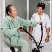 Xe đạp tập thể dục cho người già,