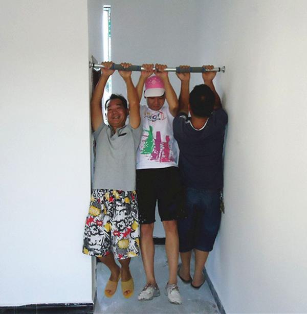 xà đơn gắn tường rất an toàn