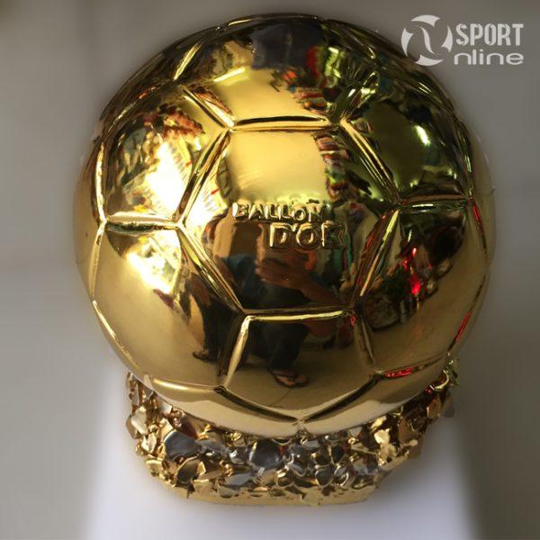 Cúp thể thao quả bóng vàng FiFa