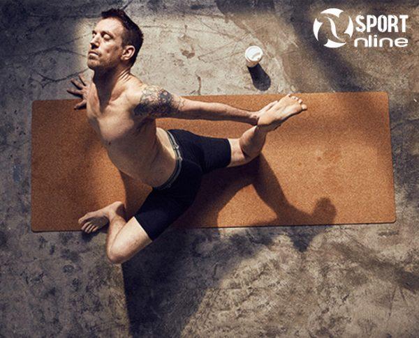 tập luyện với Thảm tập Cork Yoga Mat